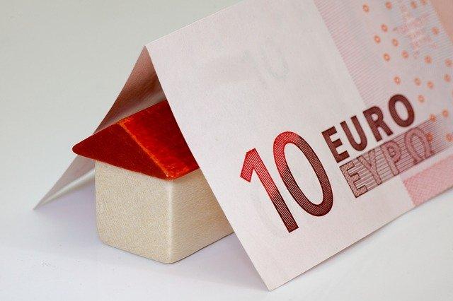 domeček, deset euro
