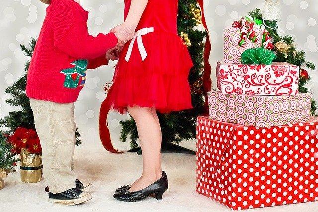 děti u dárků