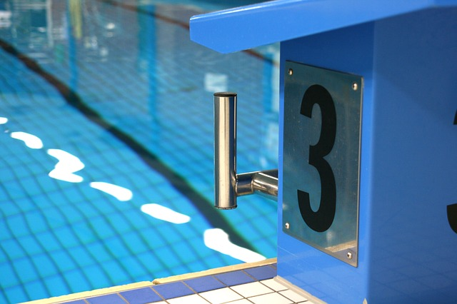 Čistý plavecký bazén